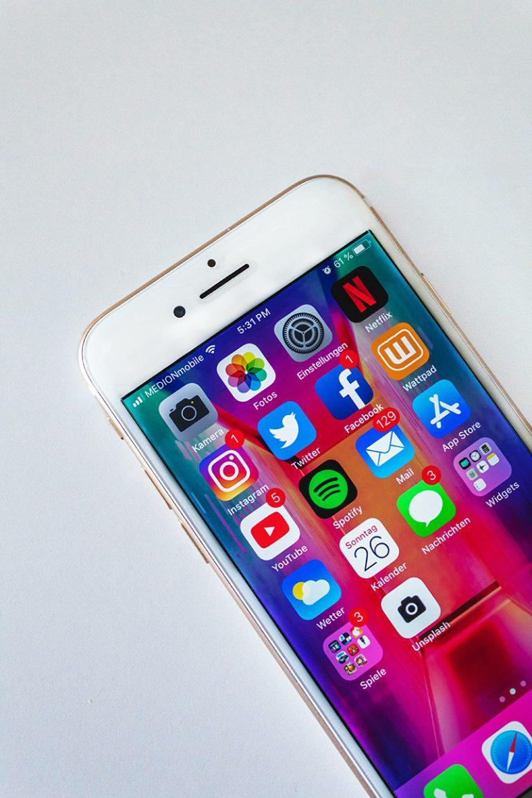 social-media-active-m4rr